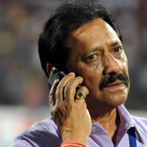 Cricketers, politicians mourn Chetan Chauhan's death