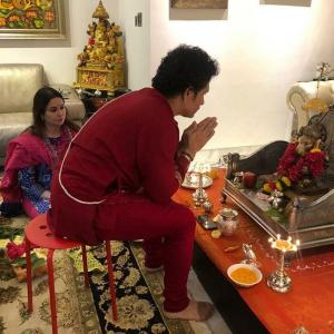 PIX: Tendulkar celebrates Ganesh Chaturthi with family