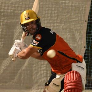 SEE: ABD enjoys first hit-out at RCB nets