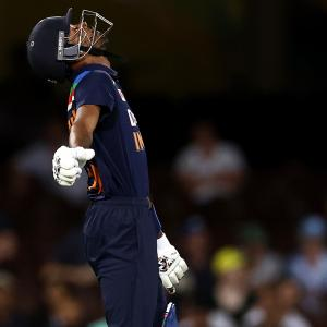 India's search for finisher like Dhoni stops at Hardik