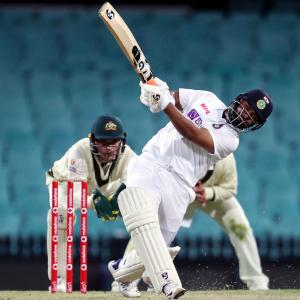 Gill, Mayank and Vihari among the runs in tour match