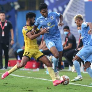 ISL: Mumbai City inflict first defeat on Hyderabad