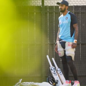 Should KL Rahul replace Shaw in playing XI?