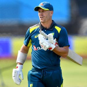 Warner ruled out of second Test against India