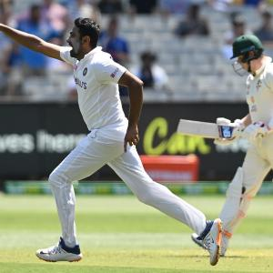 Gavaskar decodes: How Ashwin dismissed Smith