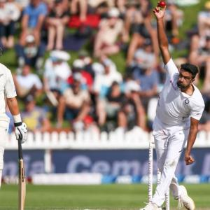 I would have kept deep extra cover for Kane: Ashwin