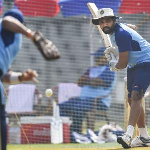 India in opening dilemma against confident Aussies