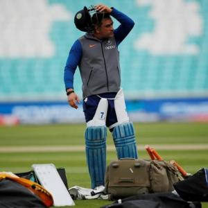 Dhoni trains with Jharkhand's Ranji squad