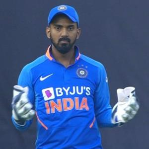 Kohli hints Rahul to continue as keeper in NZ T20s
