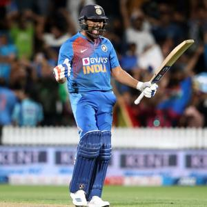 Rohit's 'Super' show as India edge NZ to seal series