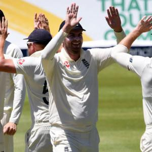 No hand shakes for England in SL due to coronavirus