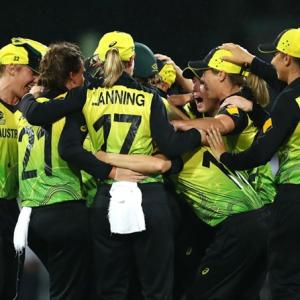Australia beat SA for T20 WC showdown vs India