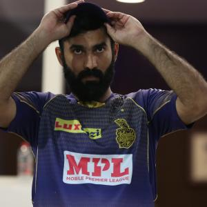 Gambhir offers advice for struggling Dinesh Karthik