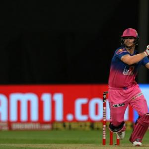 Smith slams Abu Dhabi batting track