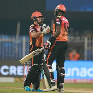 PICS: SunRisers eclipse Royal Challengers to stay alive