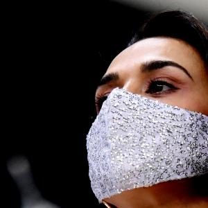 PIX: Check out Preity's glittery mask!