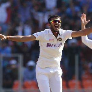 India down England in pink-ball Test inside 2 days