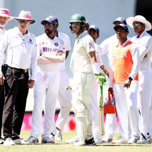 Langer praises Paine after he joins India huddle
