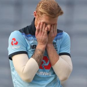 Ben Stokes caught applying saliva on the ball