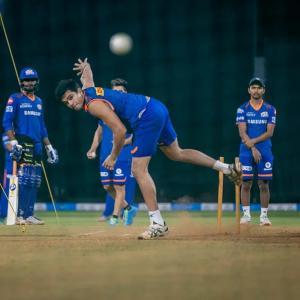 Arjun Tendulkar hits first nets session with MI