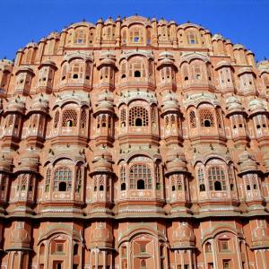 The contrasting colours of Jaipur