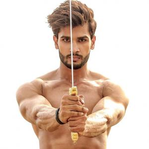 10 DROOLWORTHY pictures of India's first Mr World