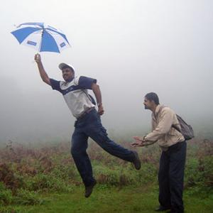 Monsoon pics: Gone with the wind
