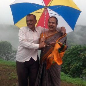 Monsoon pics: Romance in the rains