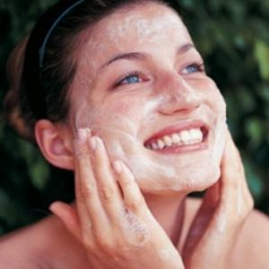 How to take care of oily skin