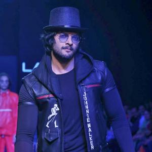 Hollywood's new darling Ali Fazal gave us the best fashion week surprise!