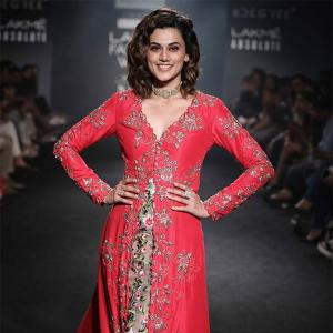 Video: Taapsee's 'pink' moment