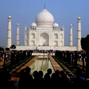 Now, pay fine if you spend more than 3 hours at Taj