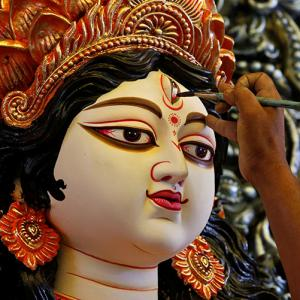 #DurgaPuja: How to celebrate the festival the Bengali way!