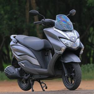 Review: Is the Suzuki Burgman Street better than the Access 125?