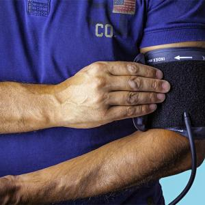 Why diabetics should check their blood pressure
