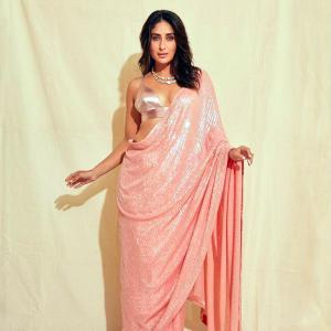 Desi swag! Kareena rocks a sari with a bralette