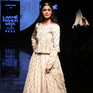 Watch: Why is Mrunal dancing on the ramp?