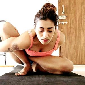 This yogini will give you serious fitness goals