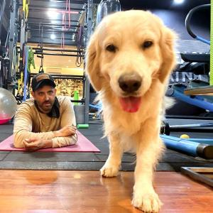 Hrithik Roshan and his pet enjoy self-isolation