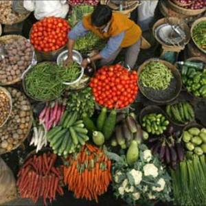 Inflation hits a zero as food, fuel turn cheaper