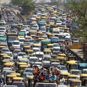 Delhi diesel car market shrinks after court orders