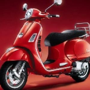 Piaggio to decide on Vespa relaunch in 2012