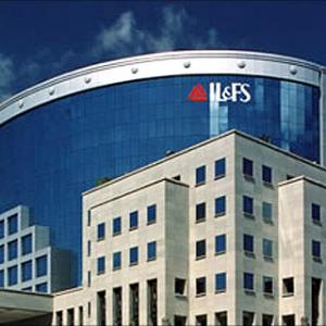 IL&FS now looks at restructuring, appoints consultant