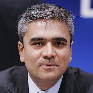 Deutsche Bank backs its India born co-CEO Anshu Jain