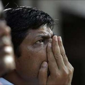 Sensex, Nifty end 1% lower; ITC falls 5%