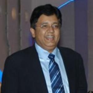 sun network kalanidhi maran essay Maran's sun tv network produced the winning bid by committing to pay rs 8505 crore a year over the next five years, substantially higher than the rs 42 crore that reddy's deccan chargers paid it is, however, only half of the rs 170 crore paid by sahara pune warriors when they joined ipl in 2010.