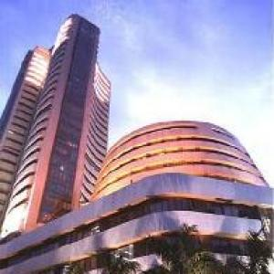 Sensex snaps recent gains, ends 120 pts down