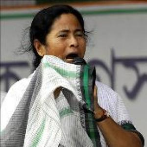 Mamata blames Centre for chit funds