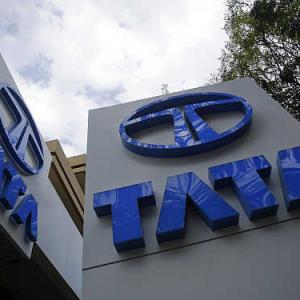 SC asks Tata Motors to clarify its stand over Singur land