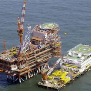 Refining margins may boost RIL's earnings